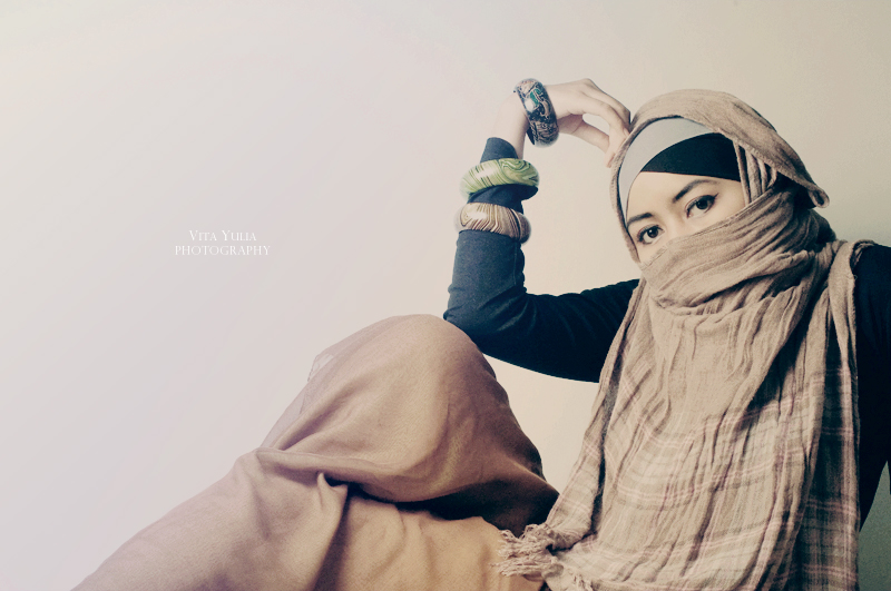 Kartika on hijab II by viegreeny