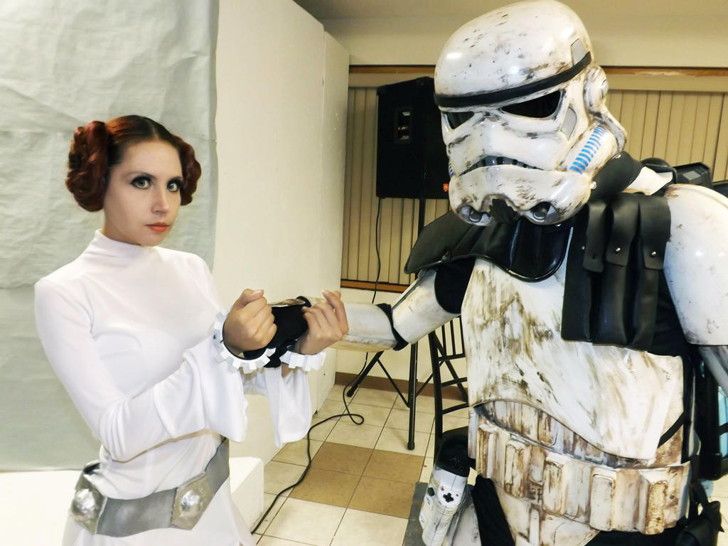 Princess Leia Cosplay by CherrySteam