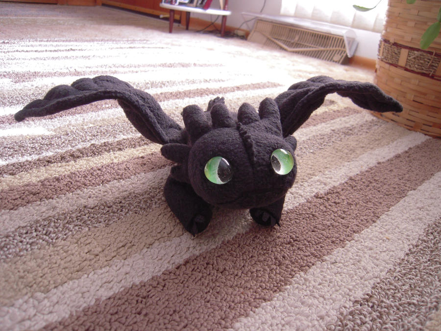 toothless_plushie_by_supernatural28-d34t