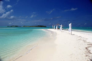 Maldives - Fun Island Resort Beach