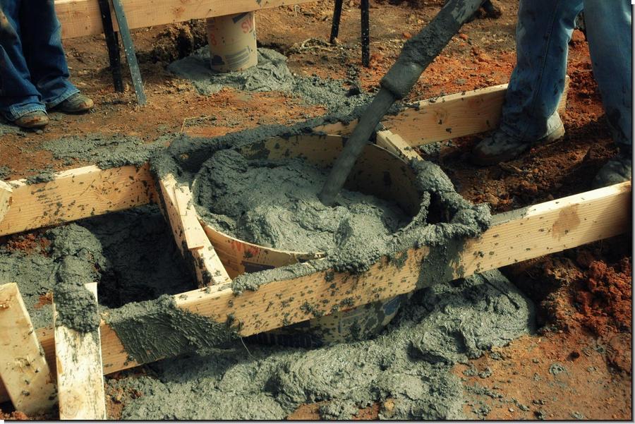 сколько стоит машина цемента для фундамента