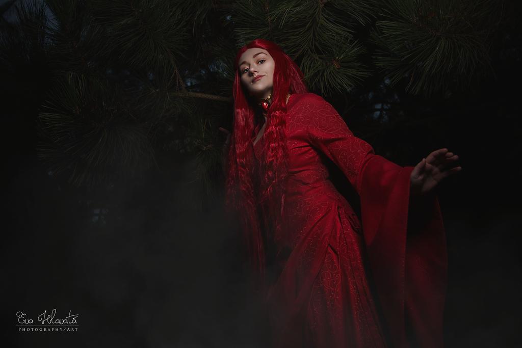 Melisandre cosplay - Night is dark! by TynaCosplay