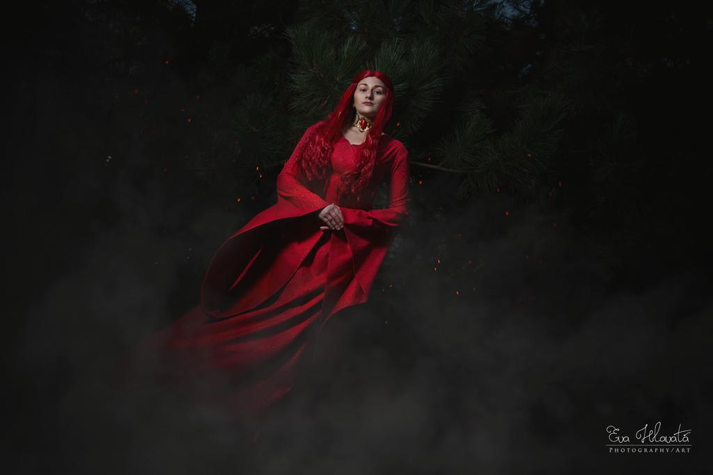 Melisandre cosplay - Dark forrest by TynaCosplay