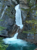Waterfall 43 by raindroppe