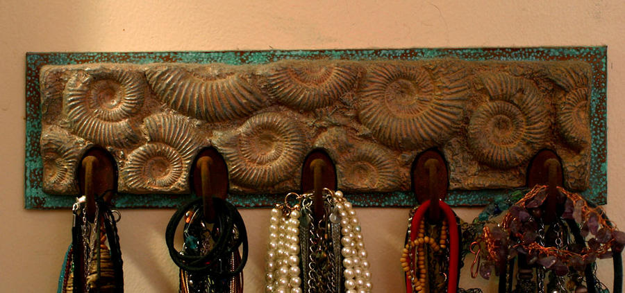 Ammonite Neckless Rack by TimBakerFX