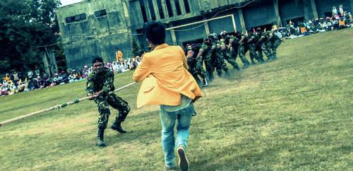 Army tarik tambang