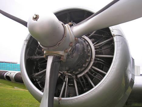 DC3 Engine