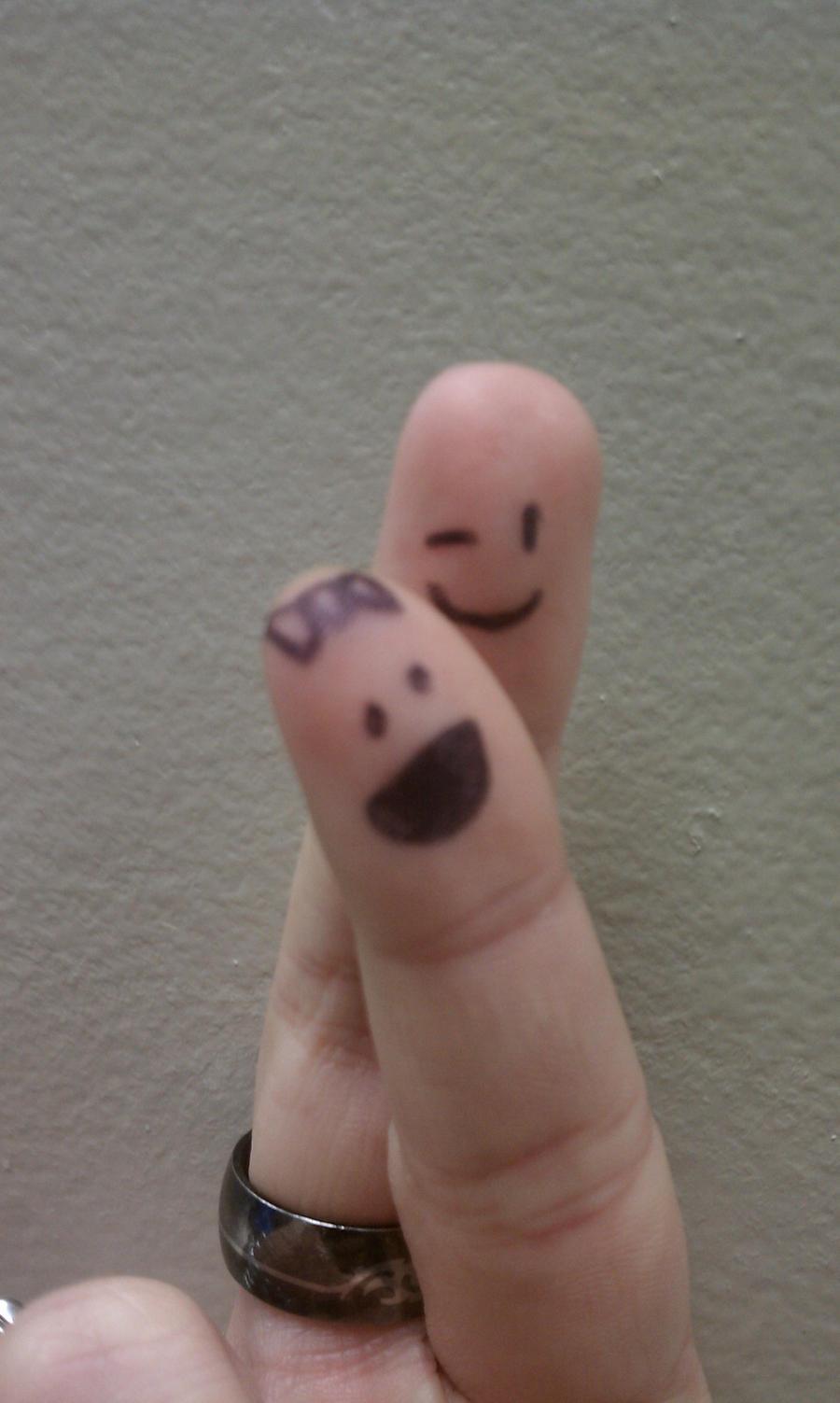 happy fingers by HarukaAkemi