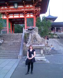 Me infront Kyotos Kiyomizu temple