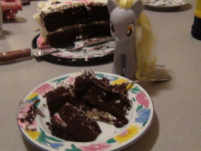 Cake Artista : Derpy And Cake Slice by Artista-Quirkypegasy on DeviantArt