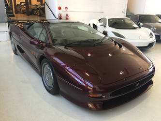 Jaguar Xj220 by NissanGTRFan