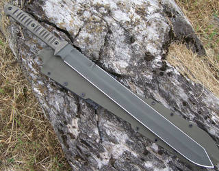Green Marauder by GageCustomKnives
