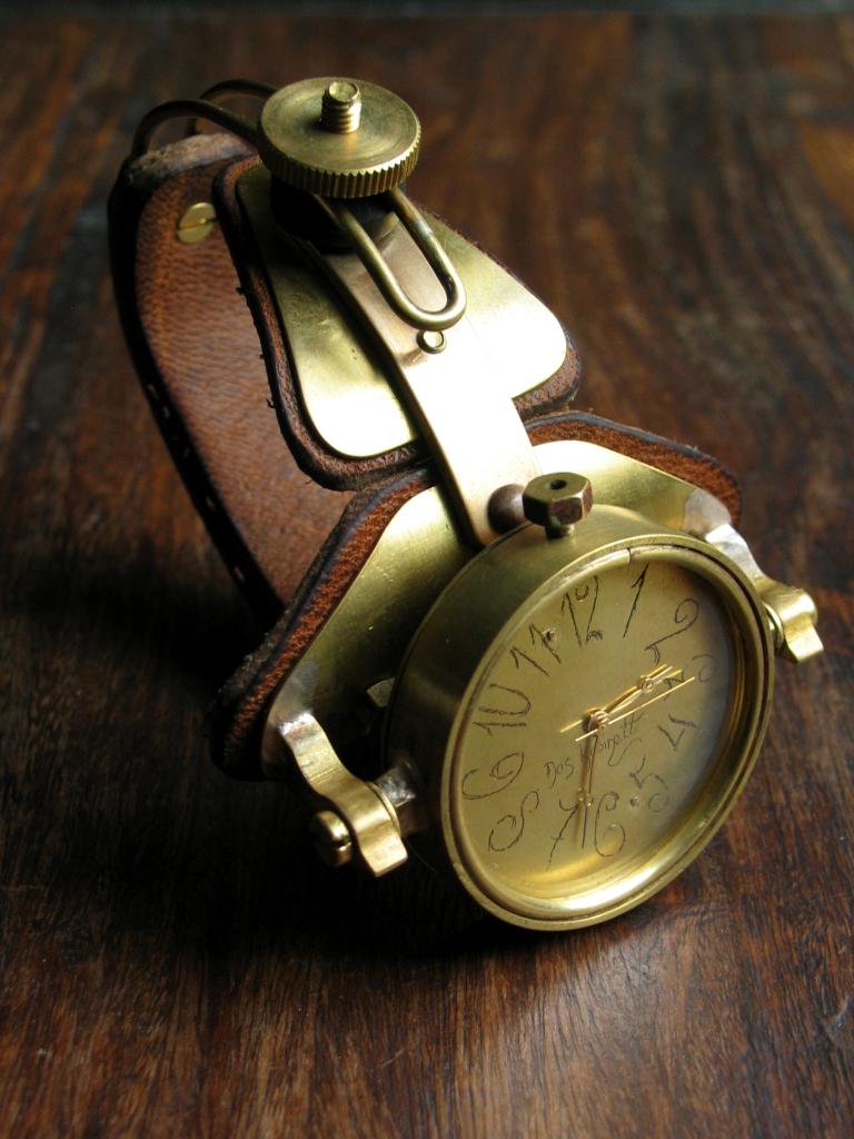1b3ddcfffa60 http   daskabinettwatches.deviantart.com art Archimedes-steampunk-watch -103741540