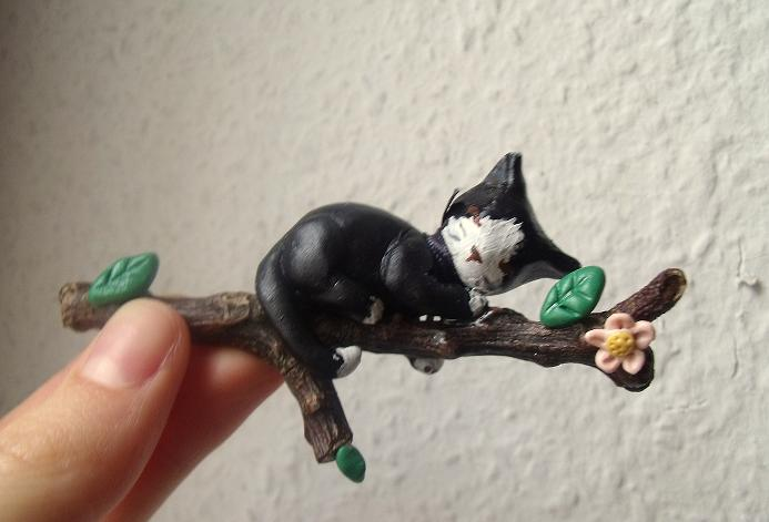 Cat on a branch by curry-brocoli