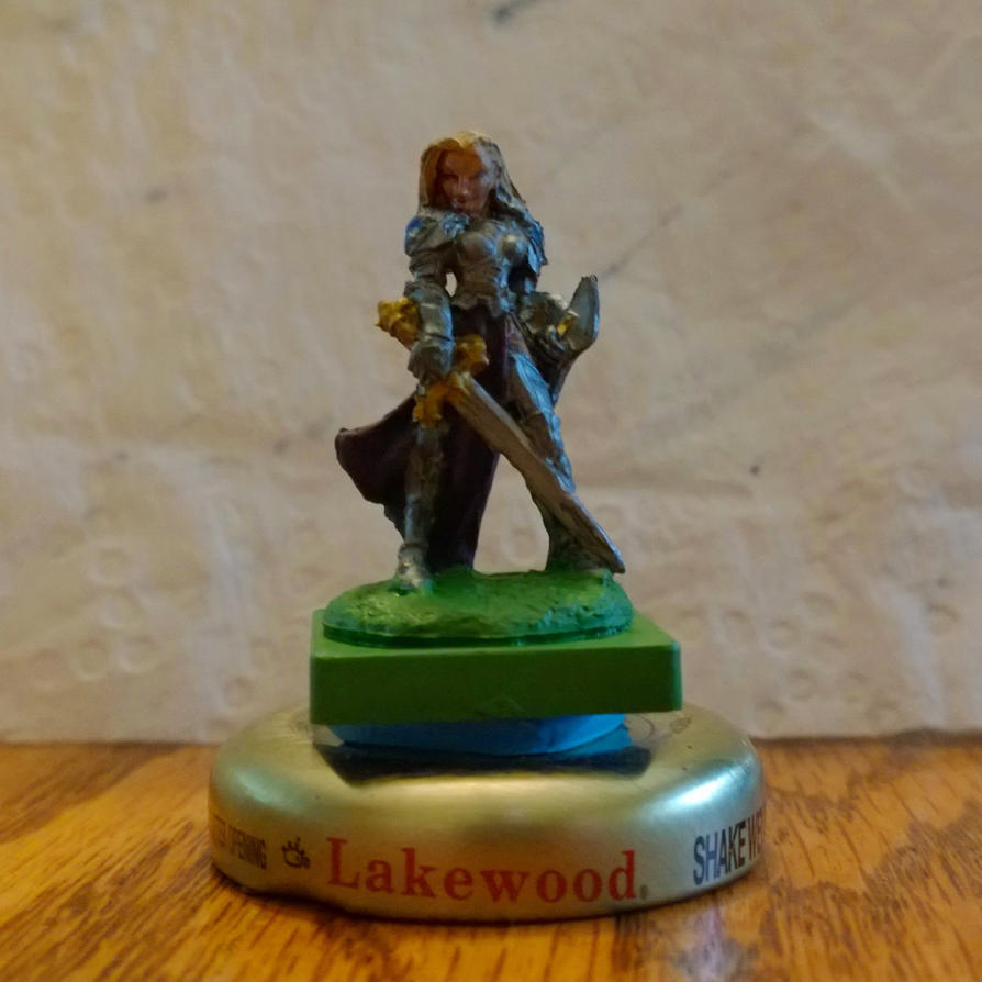 Female Paladin mini by reverend00