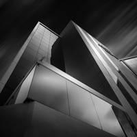 Pyramidal by manurs