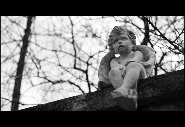 Statue by tyszKo
