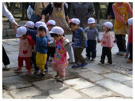 Japanese Children by happygeo