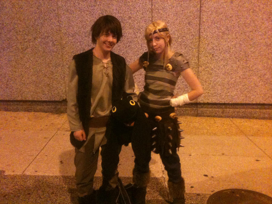 Hiccup and Astrid by CarbonCannibal on DeviantArt