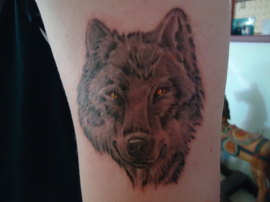 wolf tattoo by icelunars on deviantart. Black Bedroom Furniture Sets. Home Design Ideas