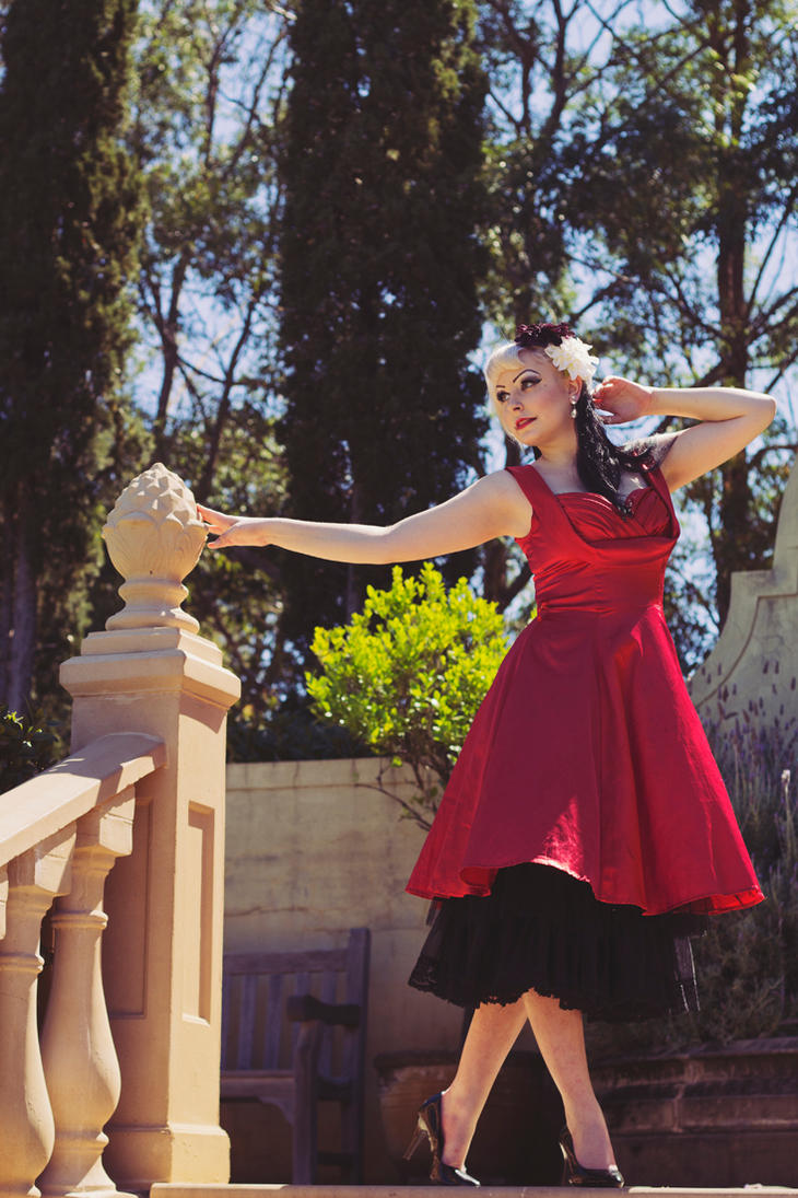 Garden Glamour by lilithvondahlia