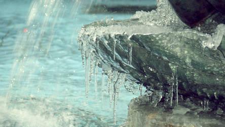 Frozen by somombo