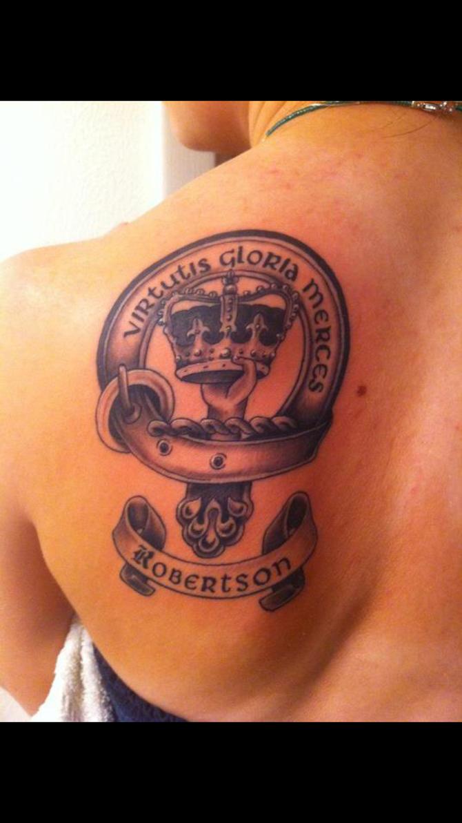 Robertson Family crest tattoo by Devonthegreat