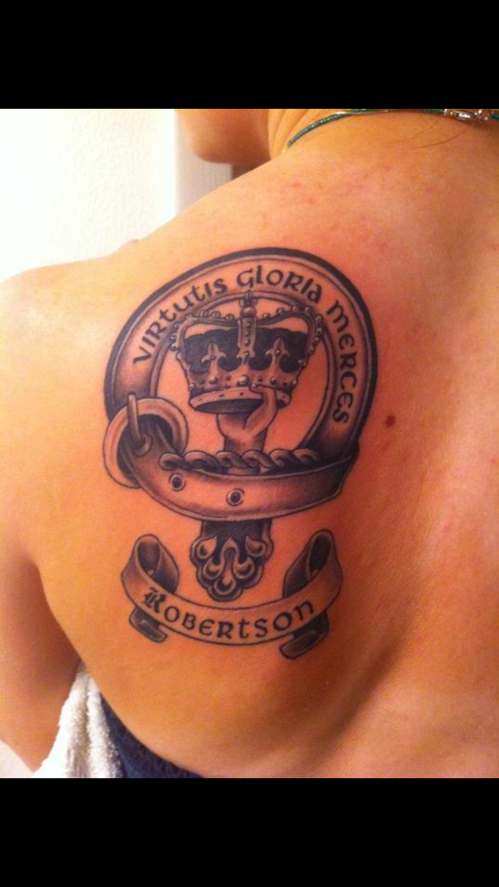 Robertson Family crest tattoo by Devonthegreat
