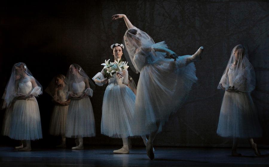 Giselle: Myrtah, Wilis by lawrencew