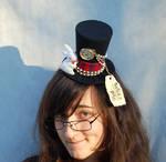 Tiny Top Hat: White Rabbit - Alice in Wonderland