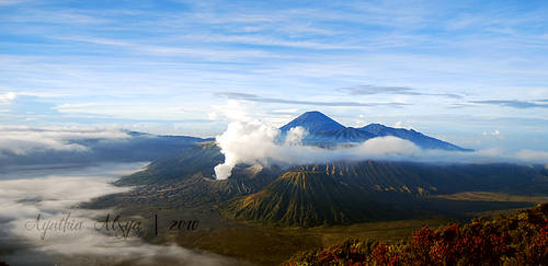 Mount Bromo I by aihtuya