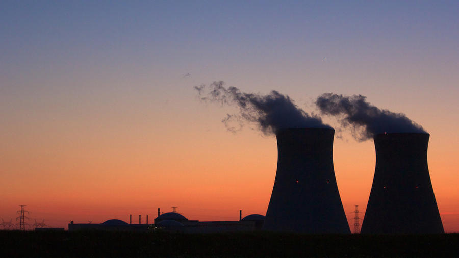 the risks from nuclear power outweighs the The industry says the need for energy outweighs the risks of nuclear power, but environmentalists worry about its safety more than 100 nuclear plants operate in the united states, producing 20.