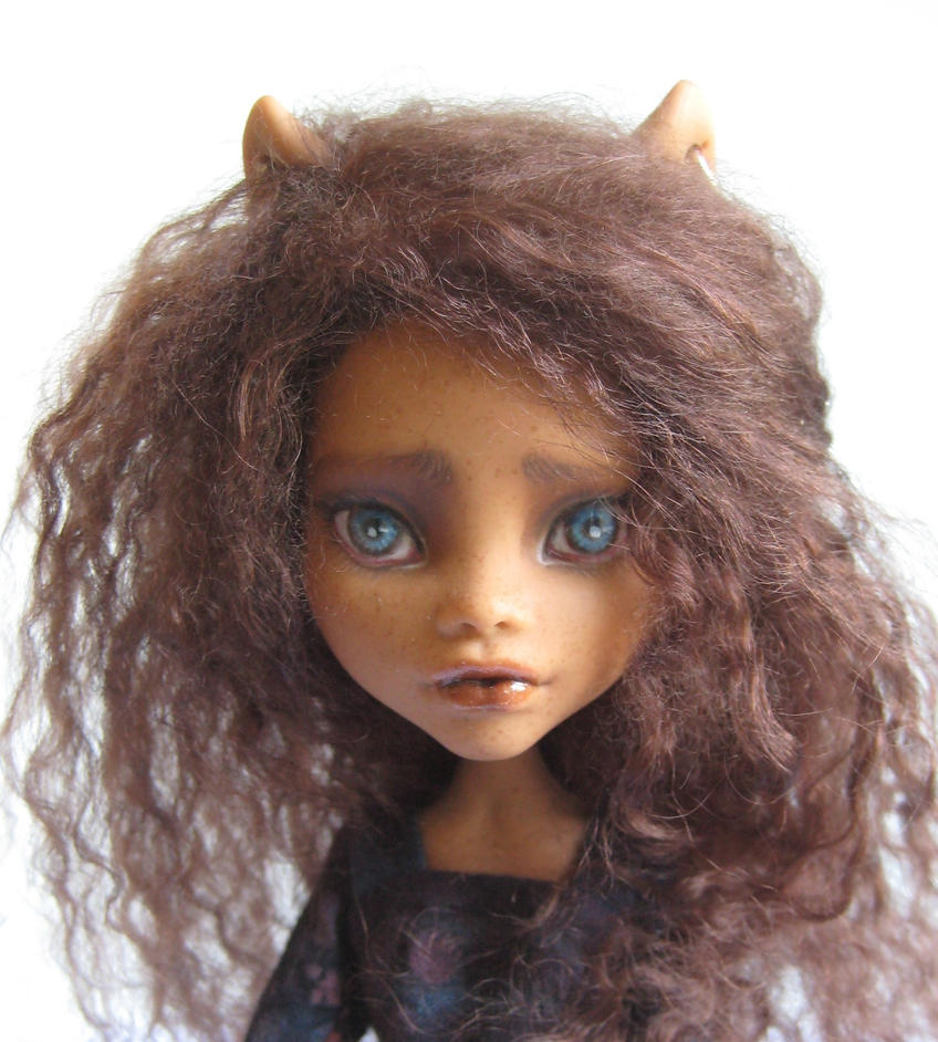 Clawdeen Repaint by FeralWorks