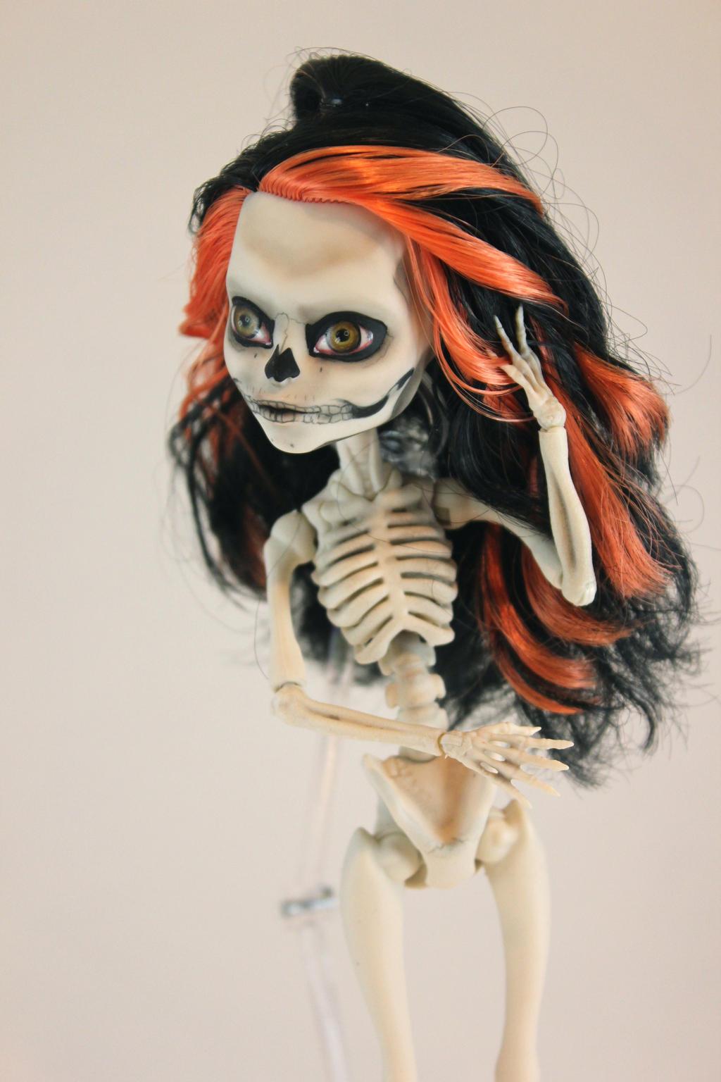 Skelita Repaint by FeralWorks