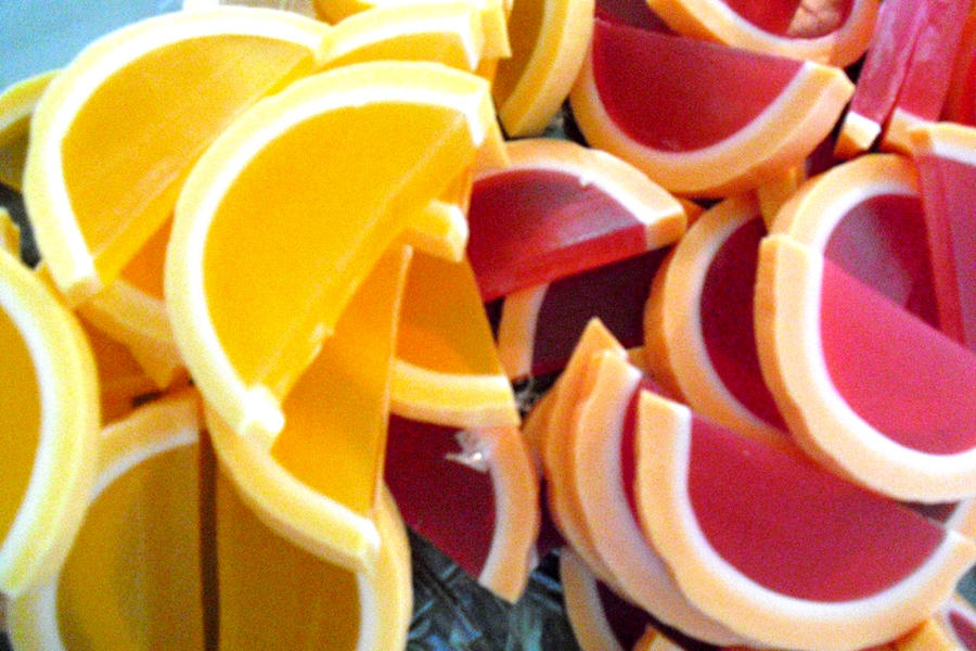 Grapefruit and Orange Slices by fuzzykittn