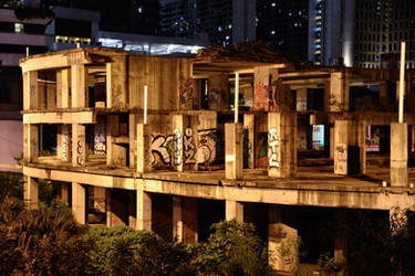graffiti on an uncompleted building by 8xhx8