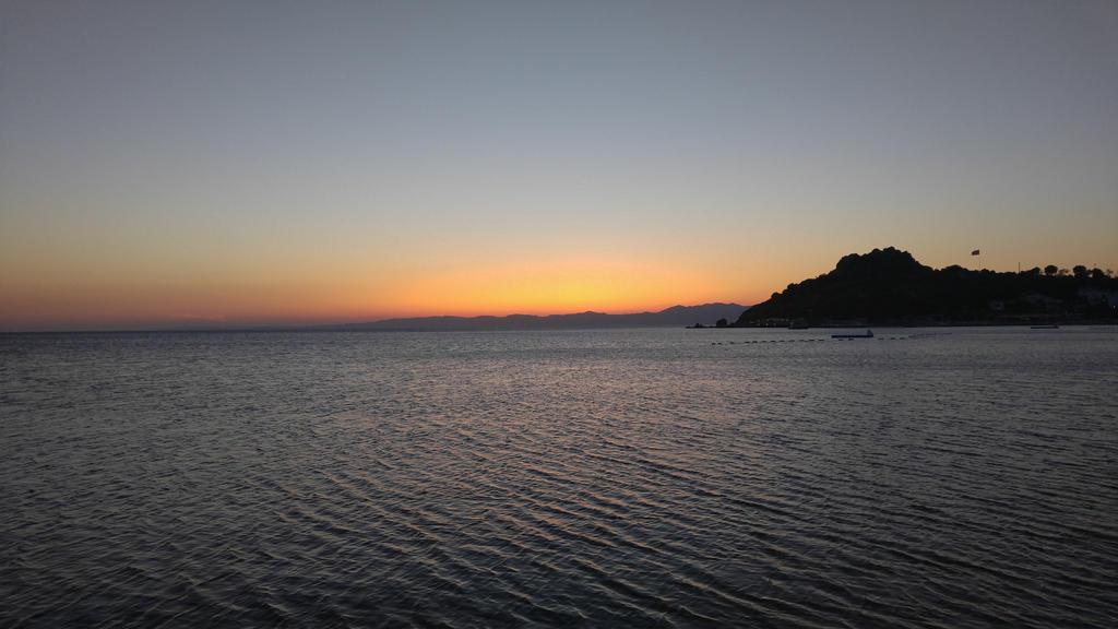 Sunset 3 by ricckystar