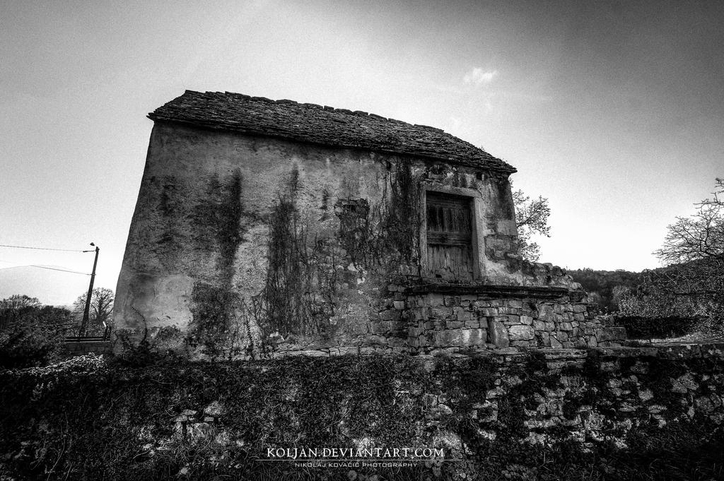 Old house by Koljan