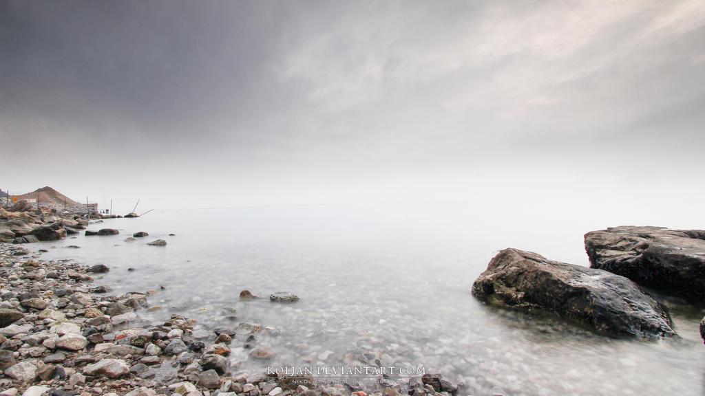 Winter sea by Koljan