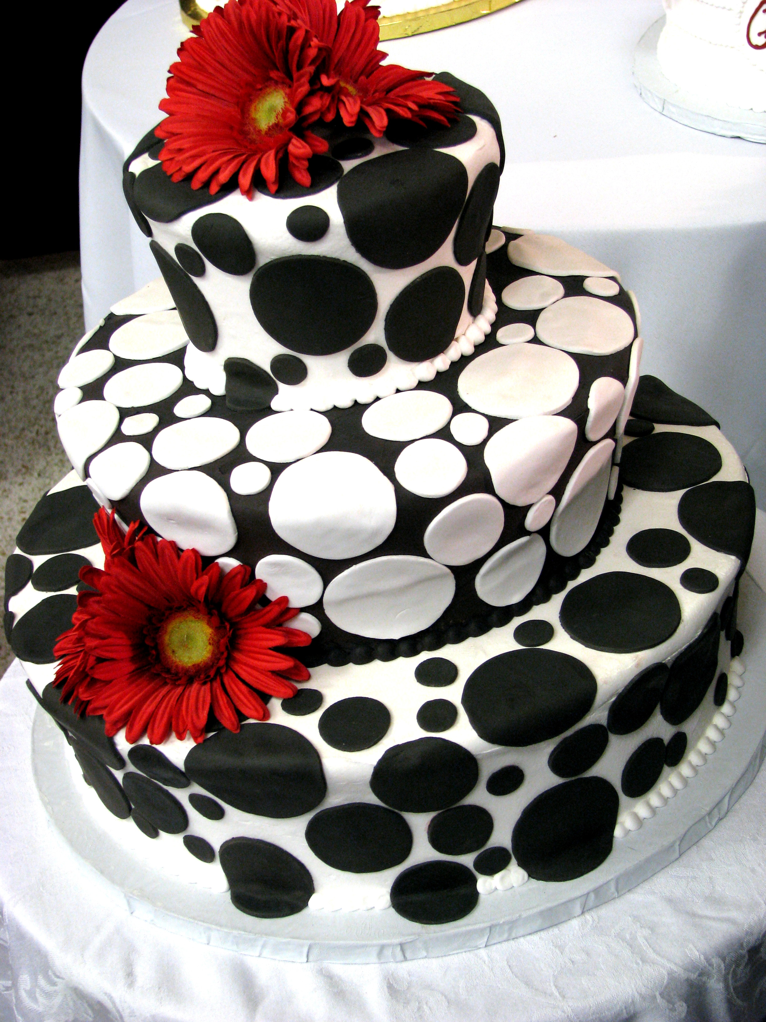 Black & White cake ideas on Pinterest