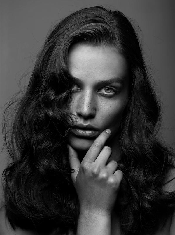 Nina Masic - Retouch by MBHenriksen