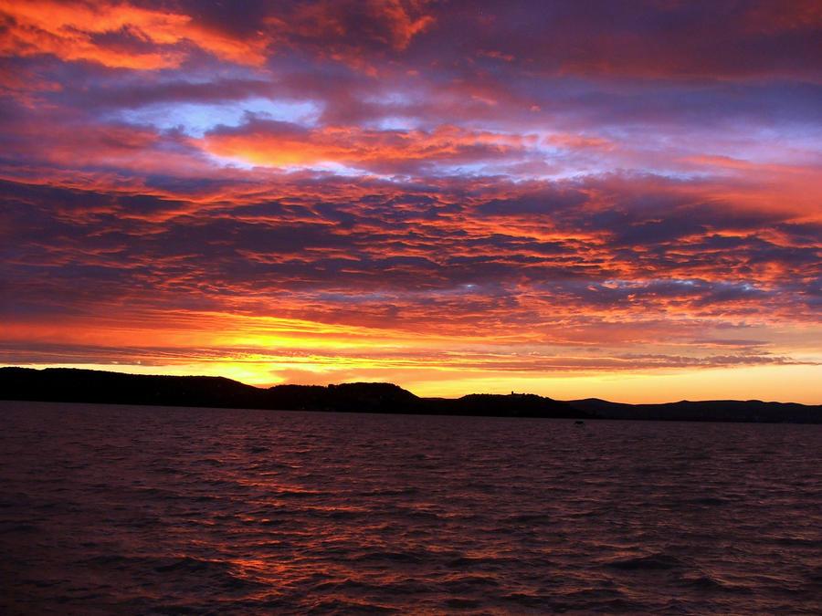 sunset by Askhoort