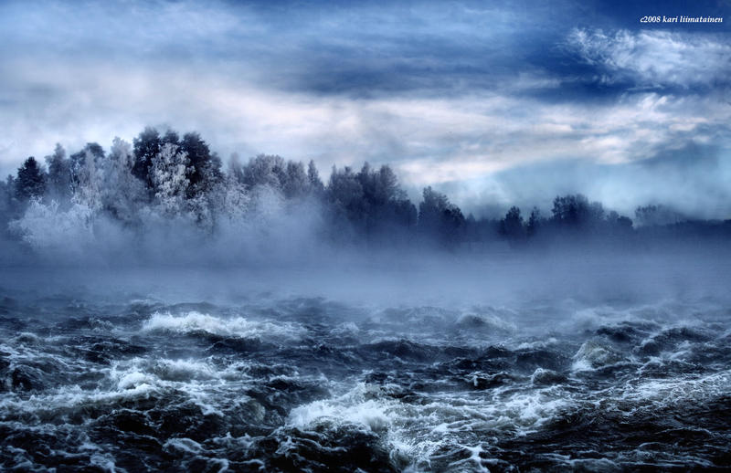 so beautiful .. so dangerous.. by KariLiimatainen