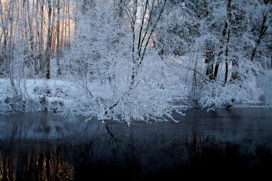 silent flow by KariLiimatainen