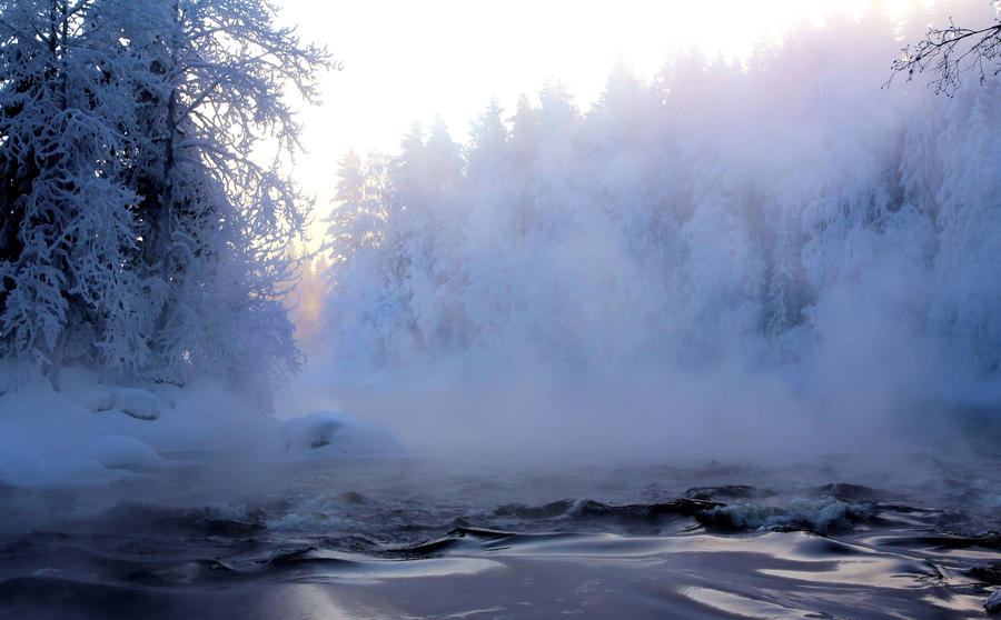 dawn on a cold winter morning by KariLiimatainen