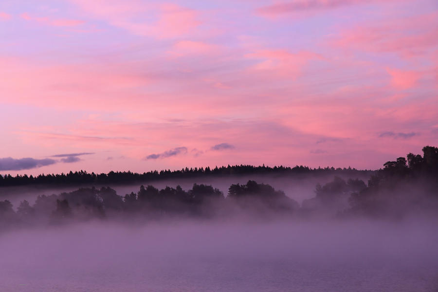 morning fog by KariLiimatainen