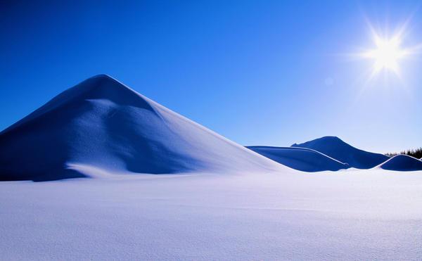 winter pyramids by KariLiimatainen