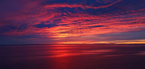 Colorful seascape by KariLiimatainen