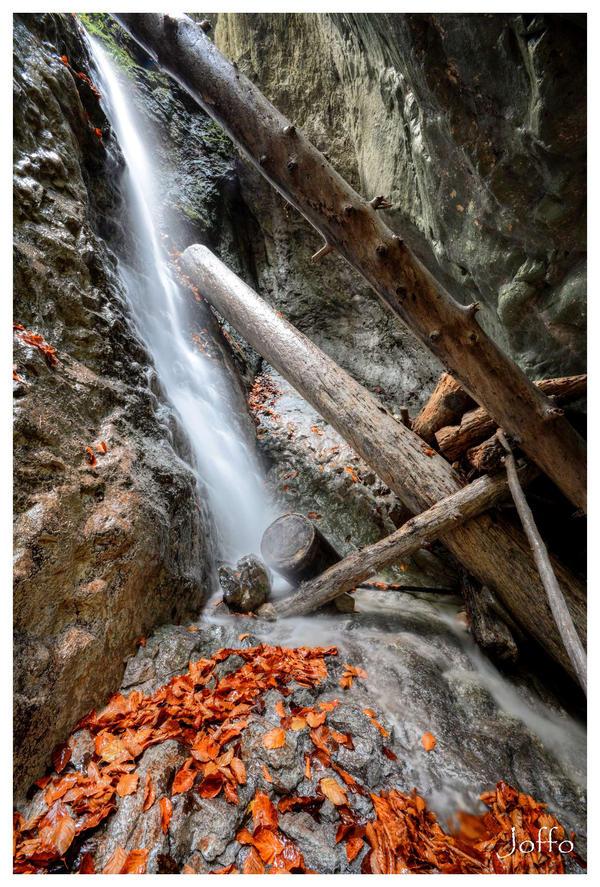 Autumn waterfalls II by joffo1