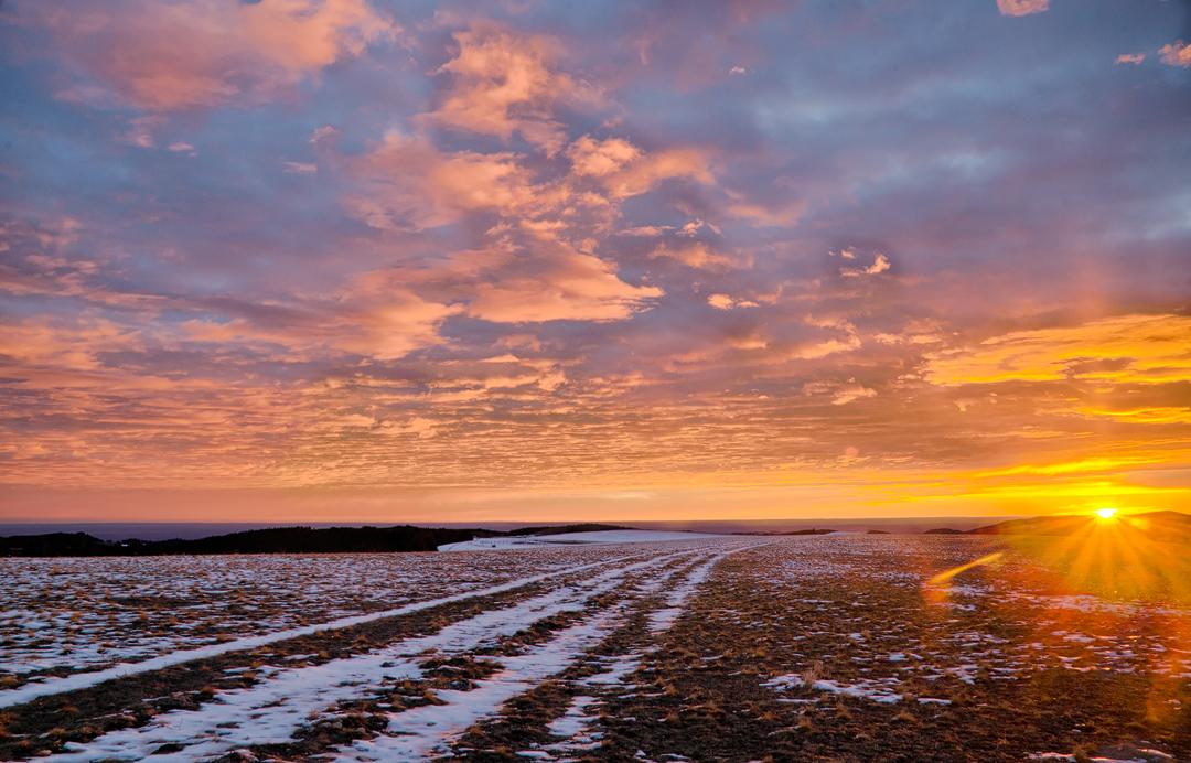 Hunter Mesa Sunrise by wyorev